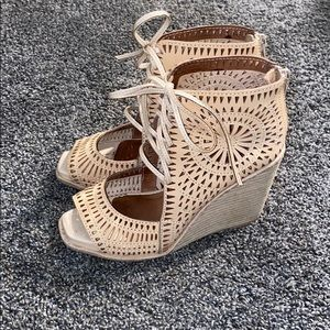 Jeffrey Campbell wedge size 6